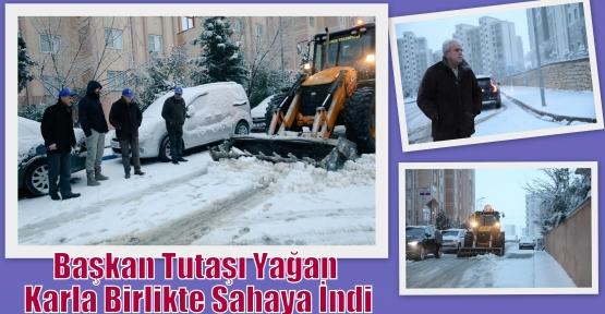 Başkan Tutaşı Yağan Karla Birlikte Sahaya İndi
