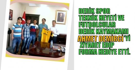 Derik Spor  Teknik Direktörü  Can Palamut Derik İlçe kaymakamı  Ahmet DEMİRCİ'yi Ziyaret etti
