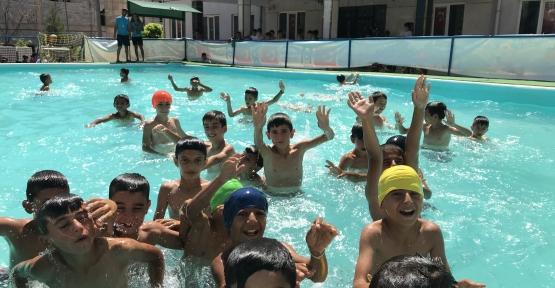 Derik'li Çocukların son havuz günü,keyifli geçti