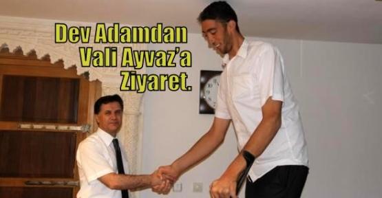 Dev Adamdan Vali Ayvaz'a Ziyaret.