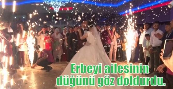 Erbeyi ailesinin düğünü göz doldurdu.