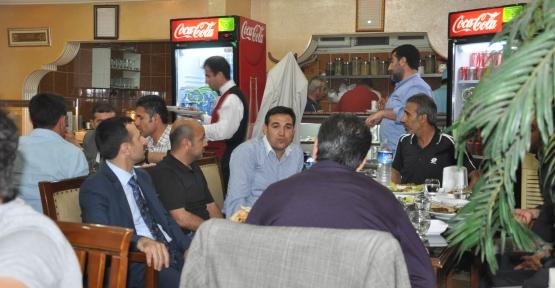 Kızıltepe Barışspor'a Şampiyonluk Yemeği Verildi