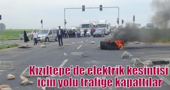 Kızıltepe'de elektrik kesintisi için yolu trafiğe kapattılar