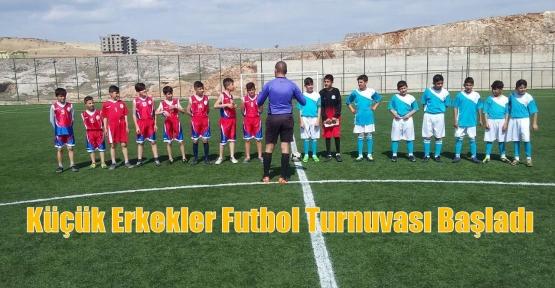 Küçük Erkekler Futbol Turnuvası Başladı