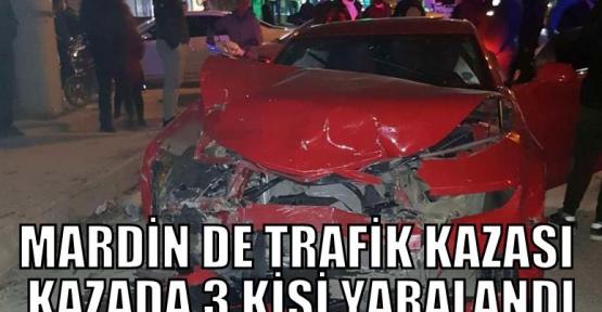 Mardin'de iki otomobilin karıştığı trafik kazasında 3 kişi yaralandı