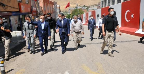 Vali Demirtaş, Mazıdağı ve Derik İlçelerini Ziyaret Etti